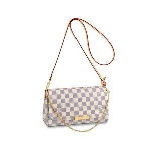 NWT/Louis Vuitton Pochette Bags